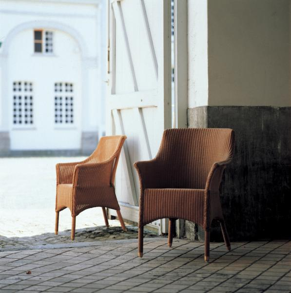 SUSSEX DINING ARMCHAIR 2