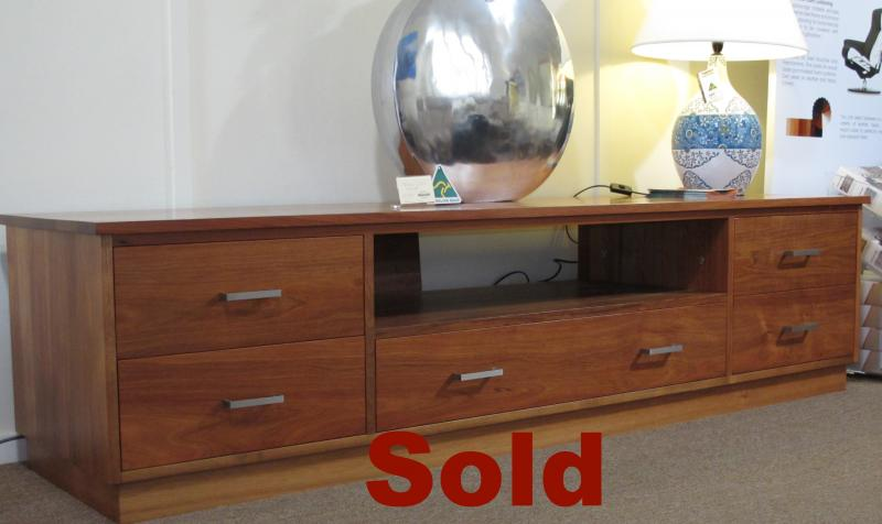 CLEARANCE MONTROSE TV UNIT