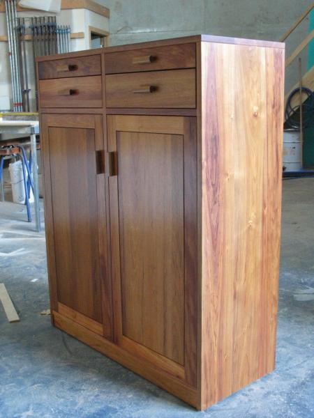 CLIFTON HAMPTON MADE TO MEASURE CABINET 2