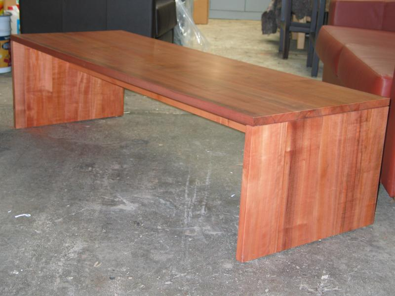 HAMPTON COFFEE TABLE1