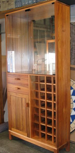 WALL UNIT WITH WINE RACK