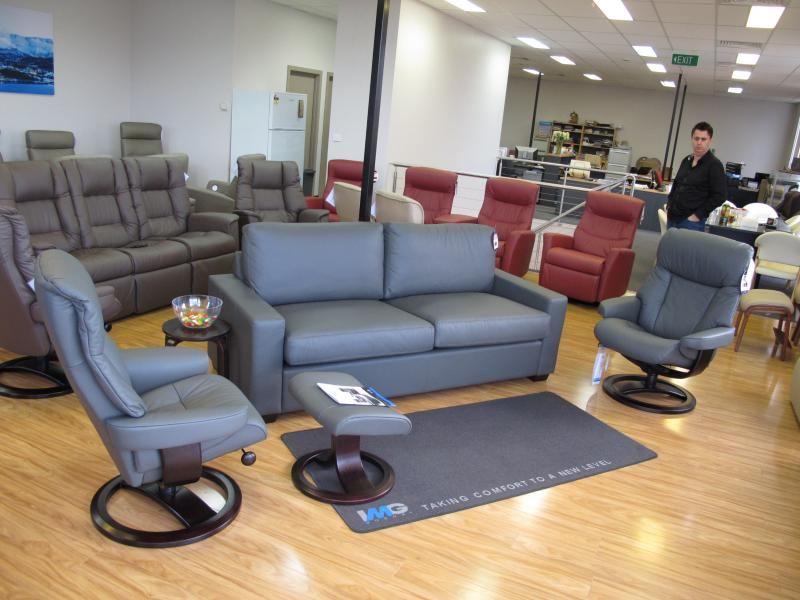 IMG NORDIC 55 RECLINER WITH DIVANI SOFA