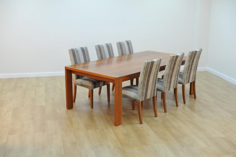 AVOCA DINING TABLE