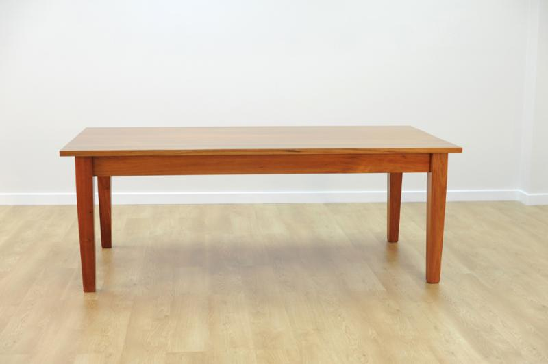BASTILE DINING TABLE