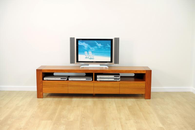 AVOCA TV UNIT