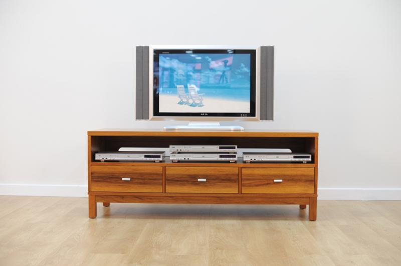 HAMPTON ENTERTAINMENT UNIT