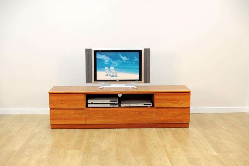 MONTROSE ENTERTAINMENT UNIT